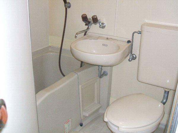 タキハウス 102号室の風呂