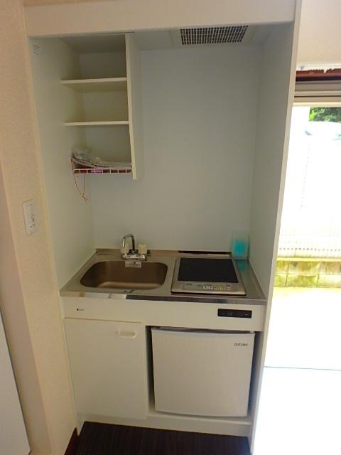 ドールハウス B101号室のキッチン
