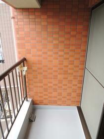 メゾン小川 201号室のバルコニー