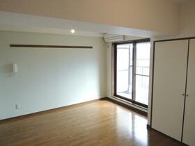 メゾン小川 201号室のベッドルーム