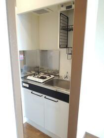 メゾン小川 201号室のキッチン