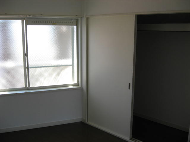 ローズクリフ 203号室のリビング