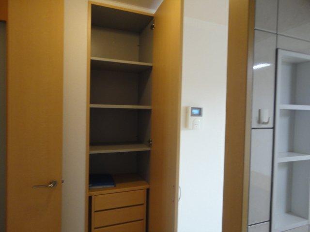 レジデンスヒルズカコⅢ 202号室の収納