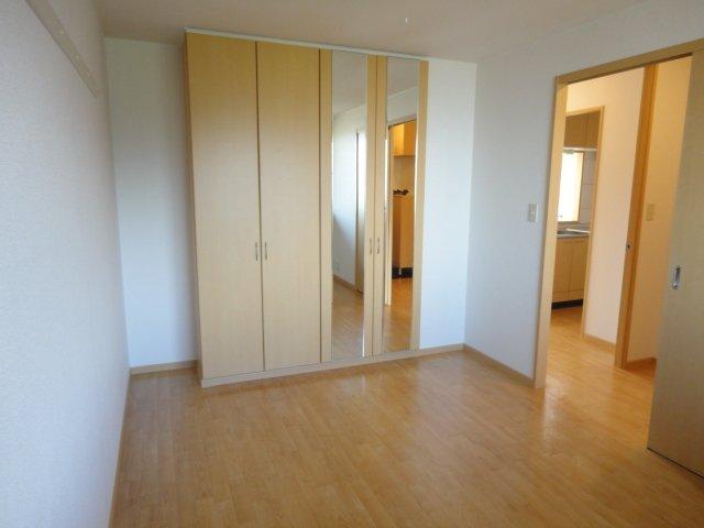 レジデンスヒルズカコⅢ 202号室の玄関