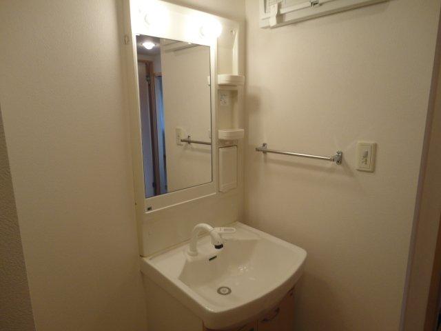 レジデンスヒルズカコⅢ 202号室の洗面所