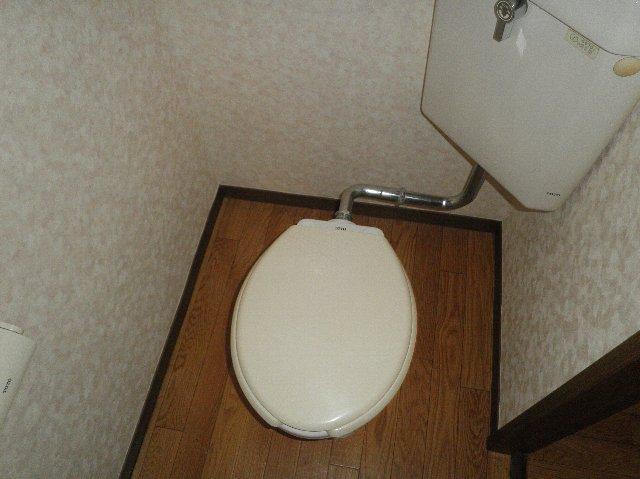 ファミーユ津田沼C棟 105号室のトイレ