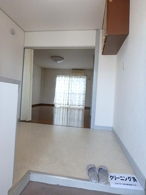 横山ビル 201号室の玄関