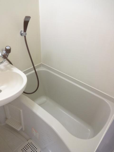 メゾン・グランドール 201号室の風呂