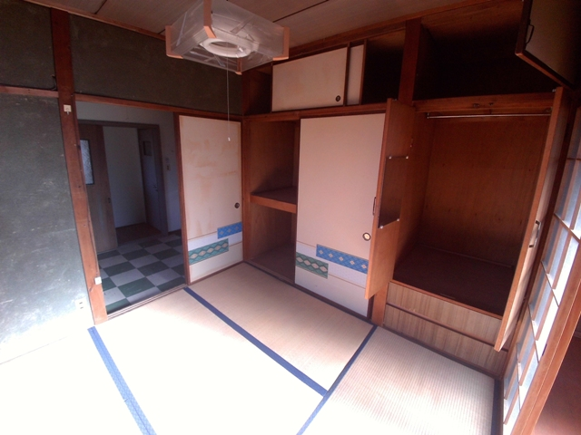 シャルム稲熊 2-C号室の収納