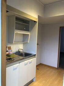 プロミネントハイツ 105号室のキッチン