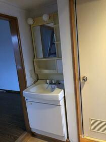 プロミネントハイツ 105号室の洗面所