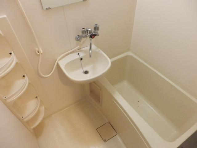 ヴィラ・パンテオン 304号室の風呂