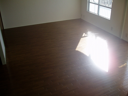 サニーホームズ横山 301号室のリビング