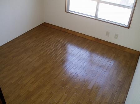 サニーホームズ横山 301号室のベッドルーム