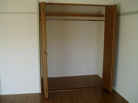 サニーホームズ横山 301号室の収納