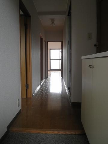 イーストロイヤル斉藤 505号室の玄関