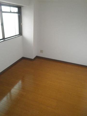 イーストロイヤル斉藤 505号室の居室