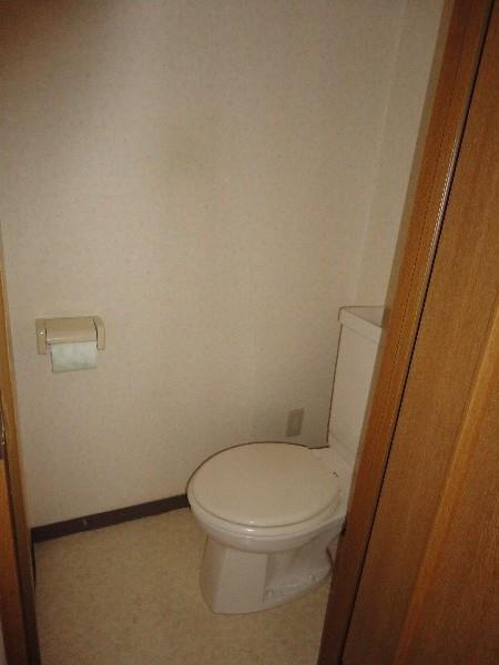 イーストロイヤル斉藤 505号室のトイレ