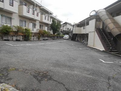 福岡ワンルームマンション A112号室の駐車場