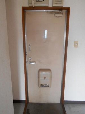 福岡ワンルームマンション A112号室の玄関