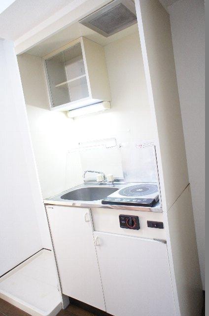 シェルブライト三番館 306号室のキッチン