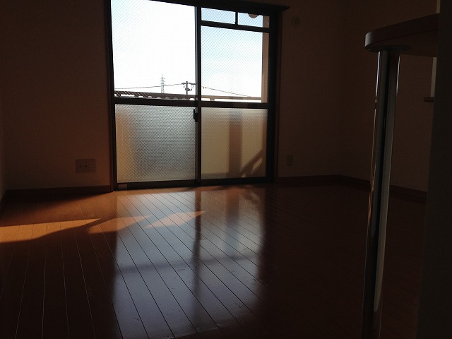 リーニエントN 4-B号室のリビング