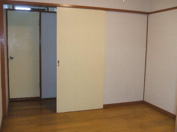 フォーブル玉堤 102号室のベッドルーム