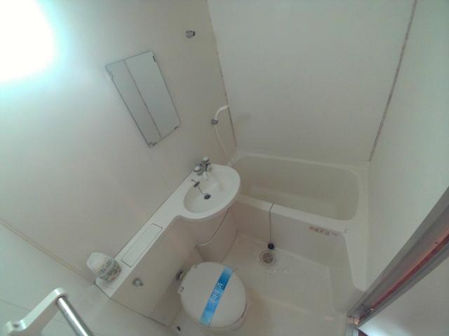 コンフォールまきの 202号室の風呂