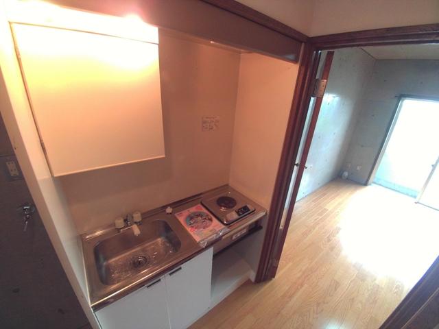 コンフォールまきの 202号室のキッチン