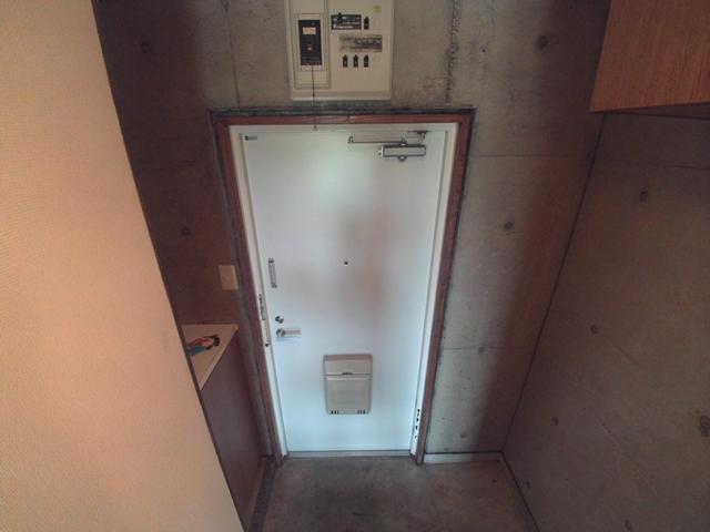 コンフォールまきの 202号室の玄関