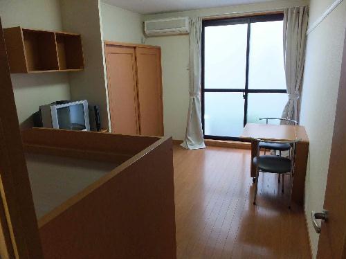 レオパレスリバーサイド 208号室の居室