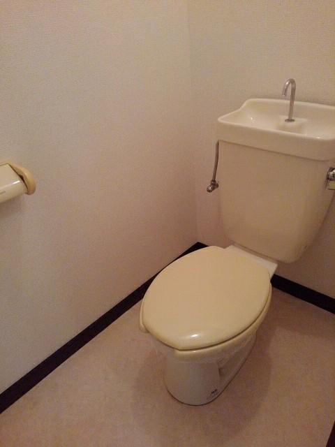 エルディム泉 02010号室のトイレ