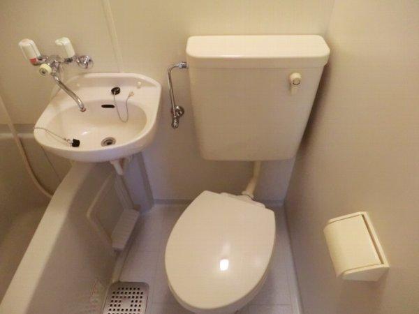 用賀ケロポリアル 201号室のトイレ