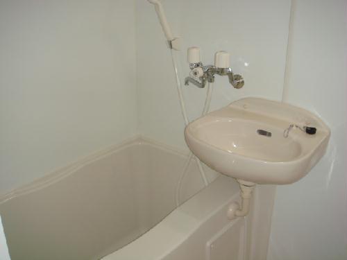 レオパレス筑紫 201号室の風呂