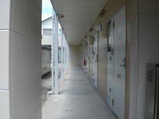 レオパレス筑紫 201号室の玄関