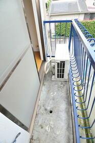 メゾン・ド・パレイ 0201号室のバルコニー
