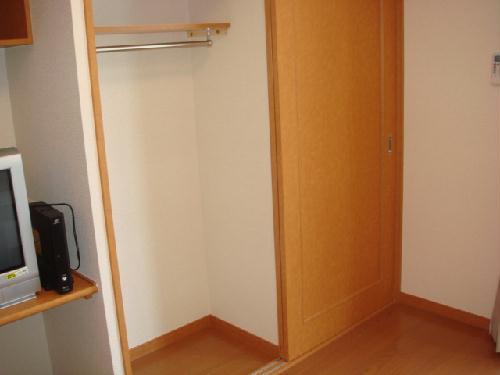 レオパレスルピナス 205号室の収納