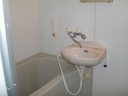 レオパレスルピナス 205号室の風呂