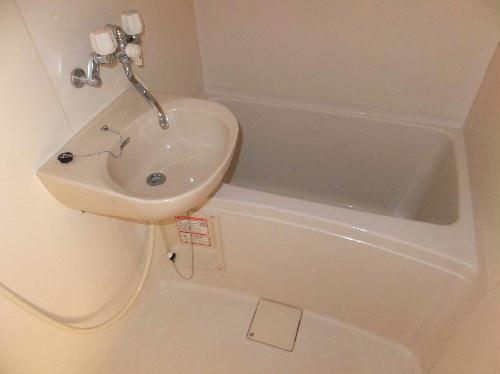 レオパレス当座山 105号室の風呂
