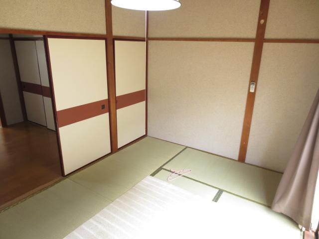 末広荘 203号室のベッドルーム