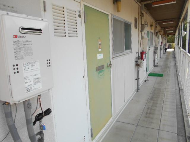 イヤーコート上豊田 C 205号室の玄関
