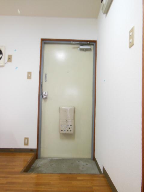 シャンポール三栄前山Ⅱ 105号室の玄関