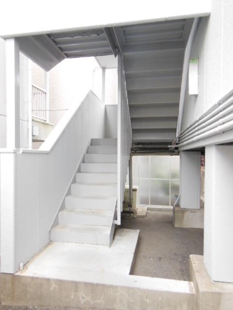 シャンポール三栄前山Ⅱ 105号室のエントランス