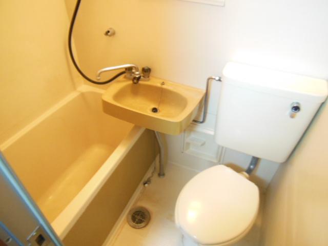 シャンポール三栄前山Ⅱ 105号室の風呂