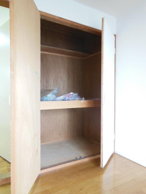 シャンポール三栄前山Ⅱ 105号室の収納