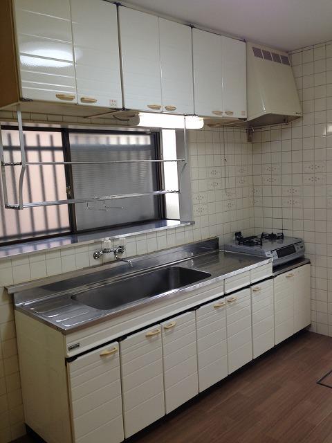 深田町貸家のキッチン