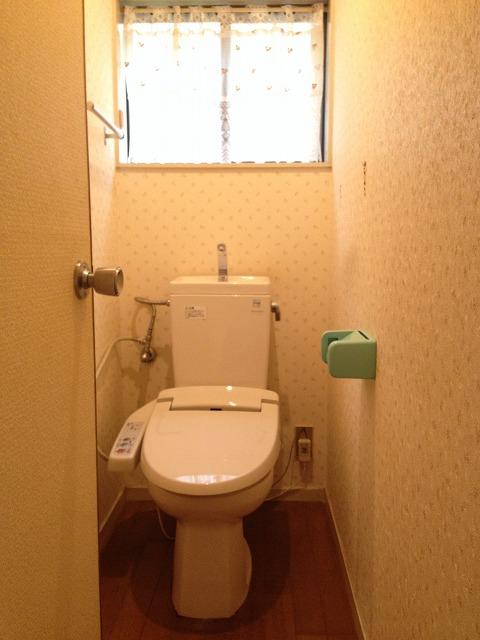 深田町貸家のトイレ