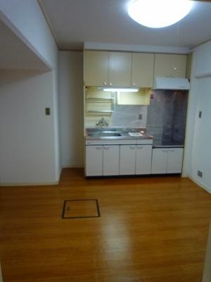シャンボール豊田A 106号室のキッチン