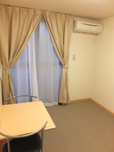 レオパレス中野木LA1 306号室のリビング