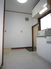 菅田方アパート 101号室のキッチン
